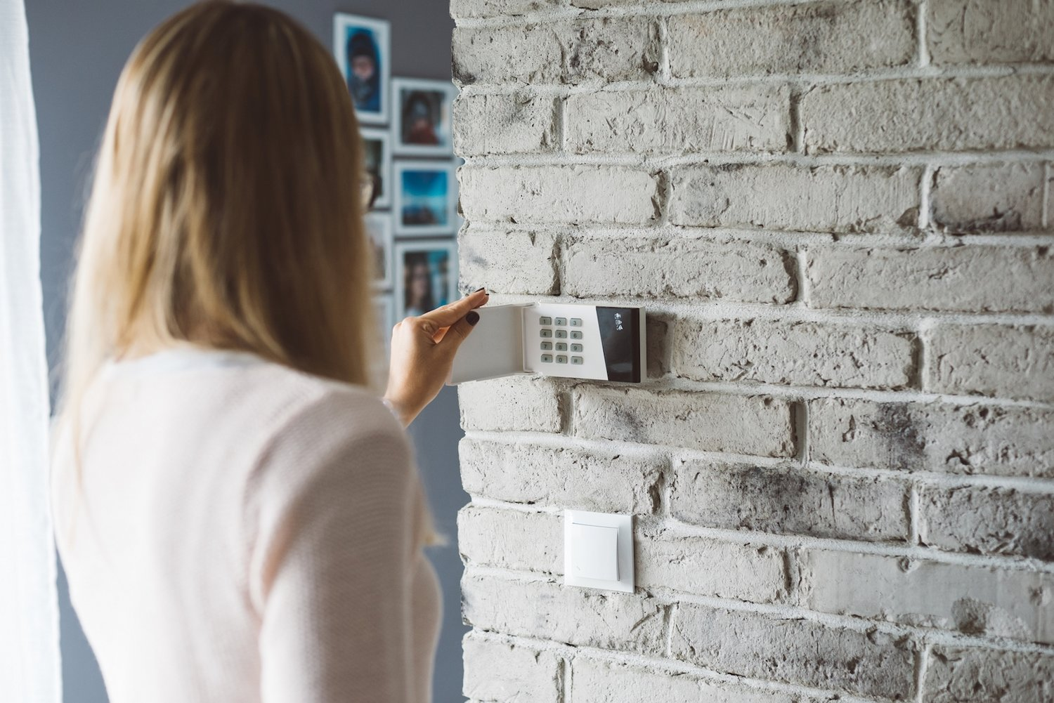 Smart-Home-Security Installing Your First Smart Home Security System: Top Tips From Our Experts